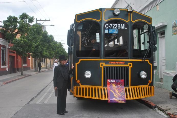 Trolley bus recorrió barrios mas antiguos de la Ciudad de Guatemala (Foto: ESU Javier Planco)