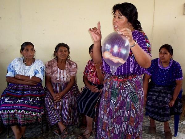 curso-comadronas_asociacion-comadronas-vida_-guatemala_