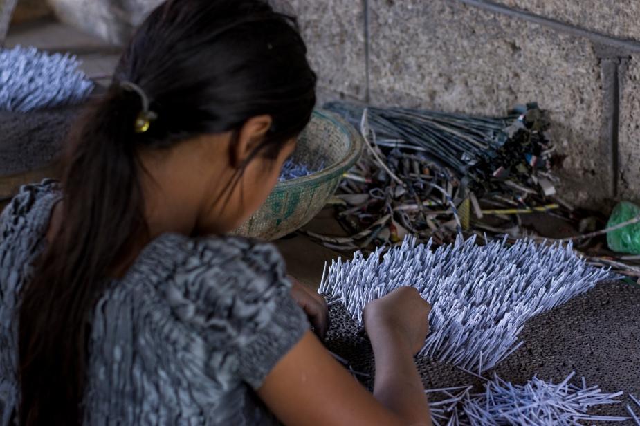 6- Maria de 13 años mechando