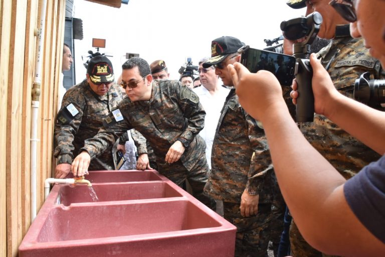Jimmy Morales Militar 2