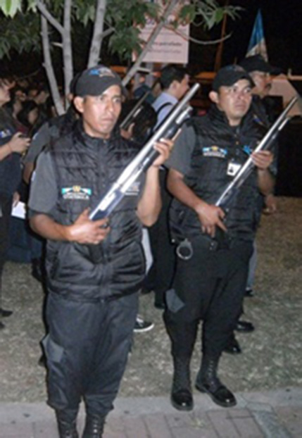 Foto: Silvia Barrientos. Agentes de Seguridad Conjuve.
