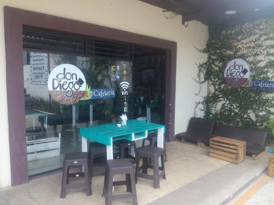 Cafetería Don Diego, logró ser fundada gracias a un préstamo adquirido en una cooperativa. Foto Geber Arana.jpg