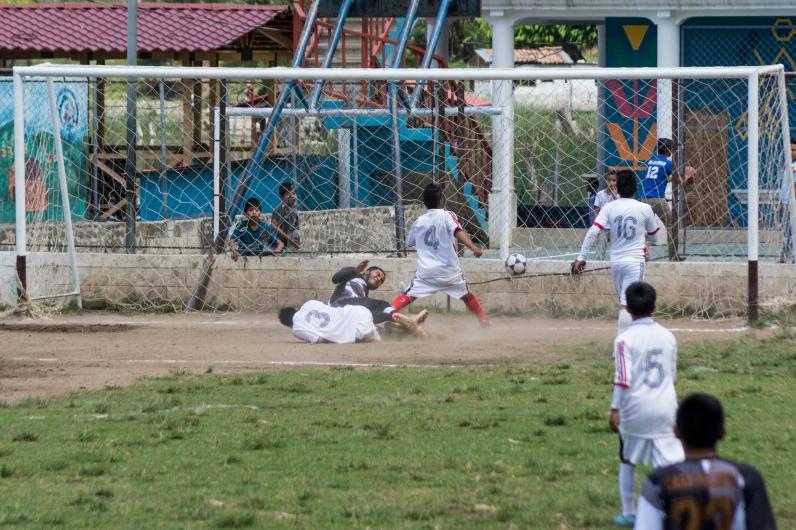 El primer gol del encuentro. Foto por Ruben David Lacan