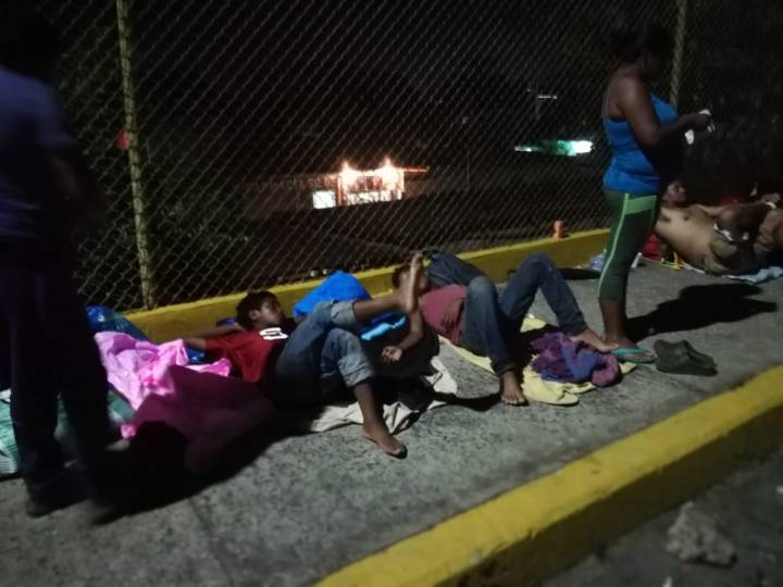 Caravana migratoria de hondureños pasa a Mexico 20102018 1