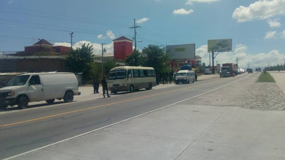 PNC trata de evitar ingreso de hondureños 23102018 2