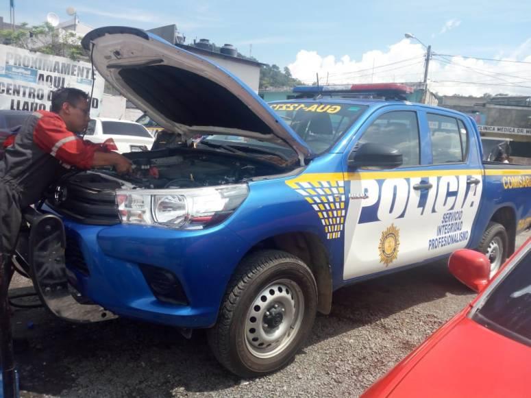 Policias hacen coperacha 12102018 2