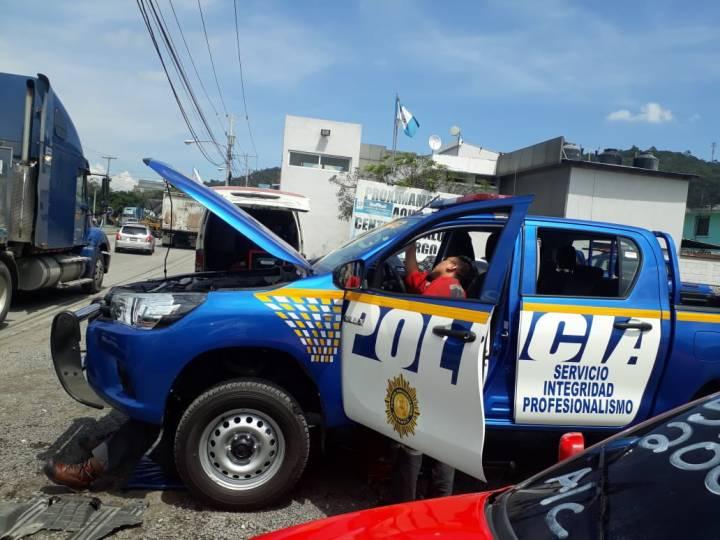 Policias hacen coperacha 12102018 3