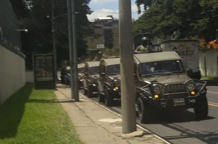 Visita congresistas estadounidenses sobre uso de vehiculos blindados J8 12
