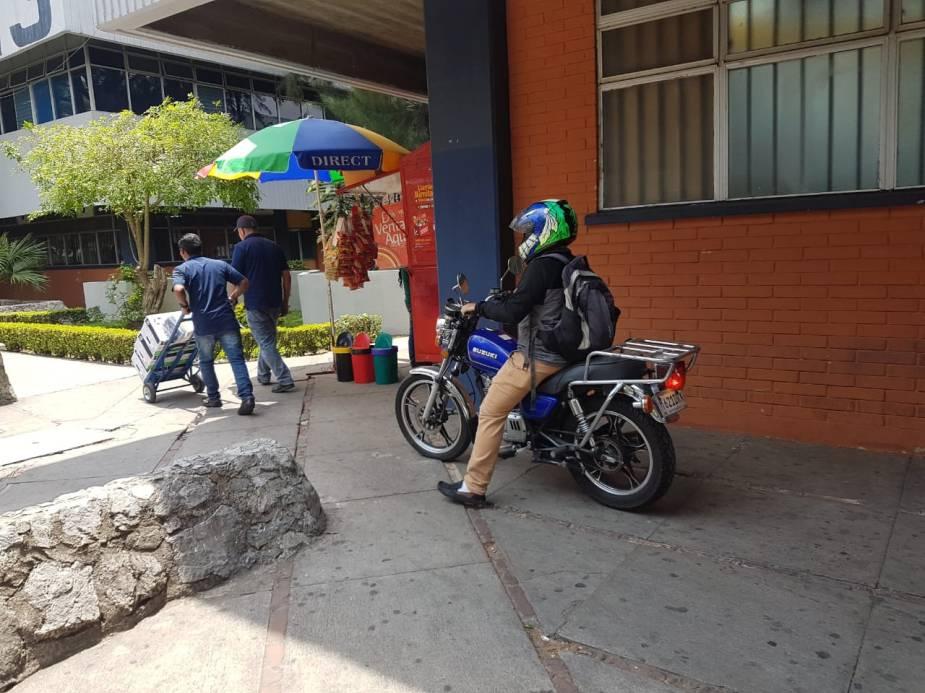 moto frente m1