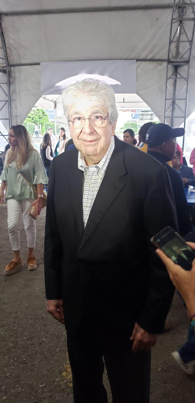 Dr. Rafael Espada