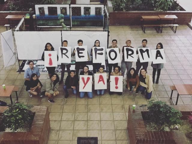 foto reforma universitaria AEU (2)