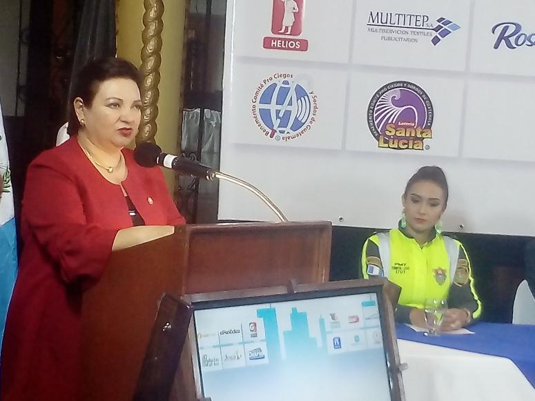María de los Ángeles de Rueda, presidente del Benemérito Pro ciegos y Sordos de Guatemala